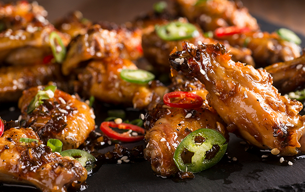 Wings and Wine Pairing - Best Snacks to Go With Wine