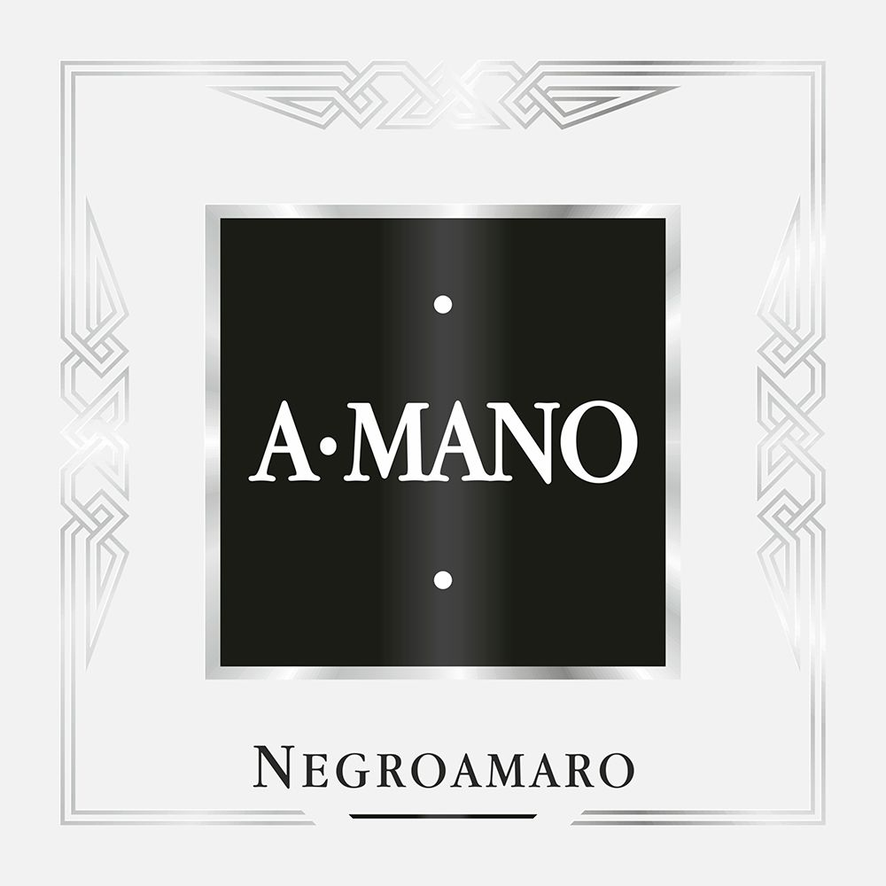 A Mano Negroamaro 2015 Front Label