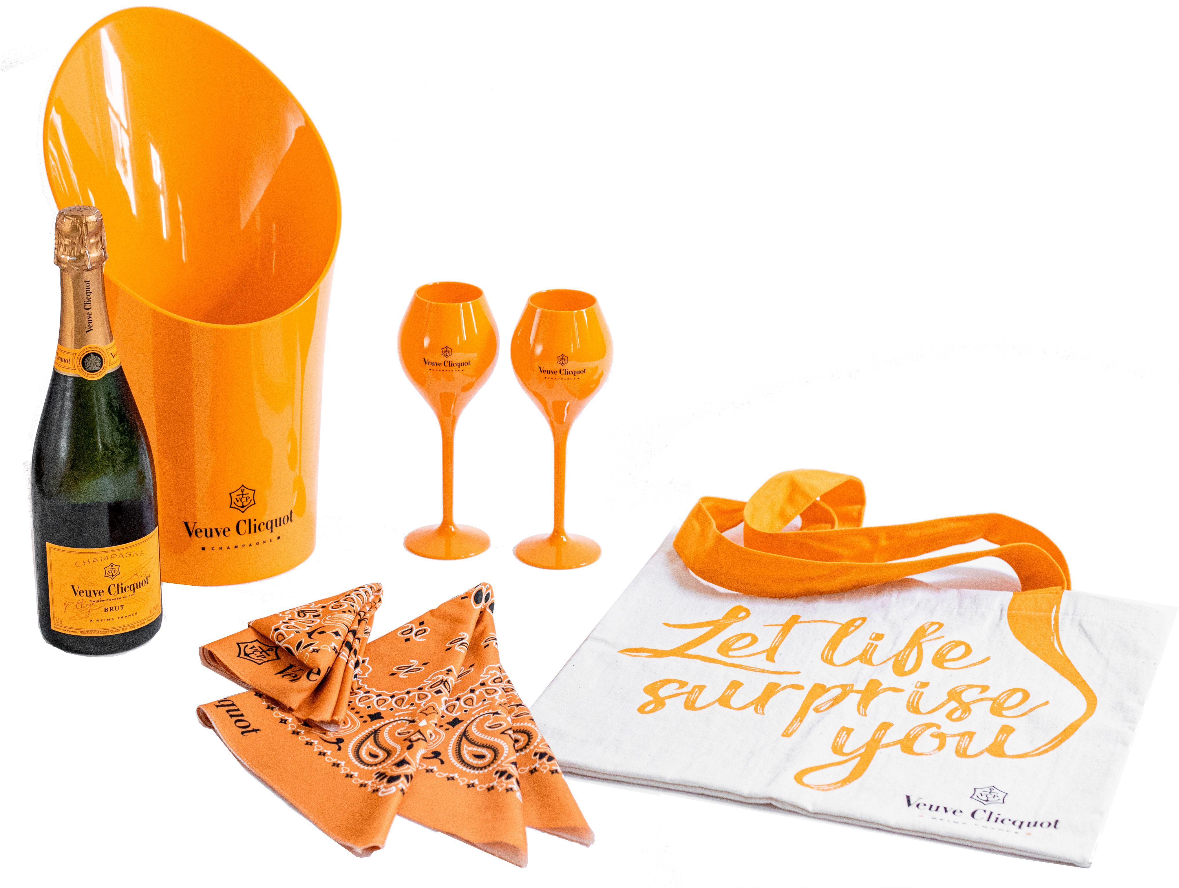 Veuve Clicquot Toast to the Polo Classic Perfect Picnic Pack Gift Product Image