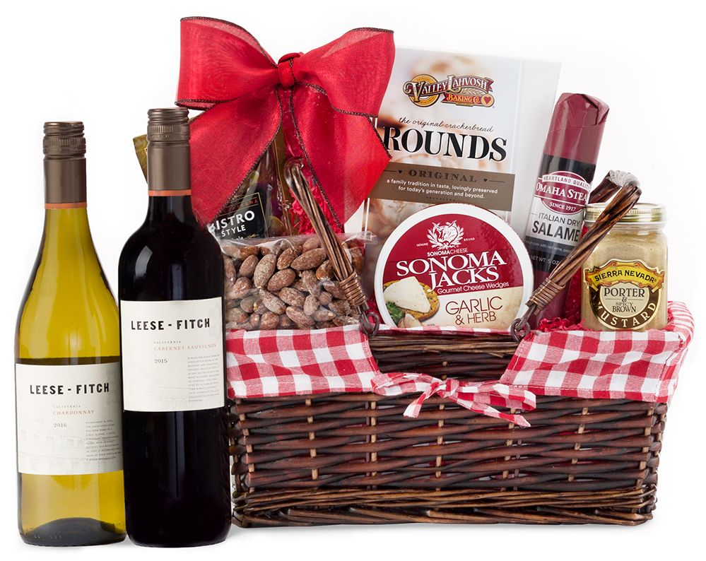 Supplemental gift image · 90 Point Sonoma Wine Reusable Picnic Basket