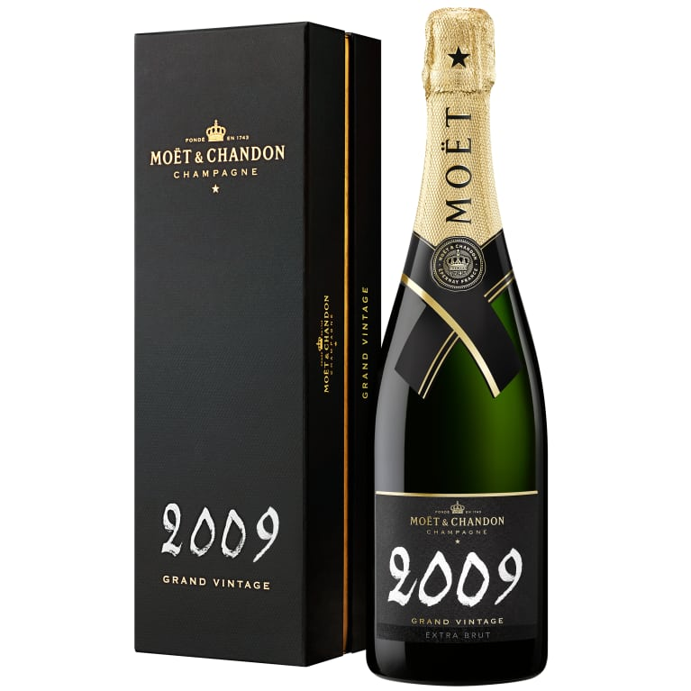Moet & Chandon Grand Vintage Extra Brut with Gift Box 2009 Gift Product Image